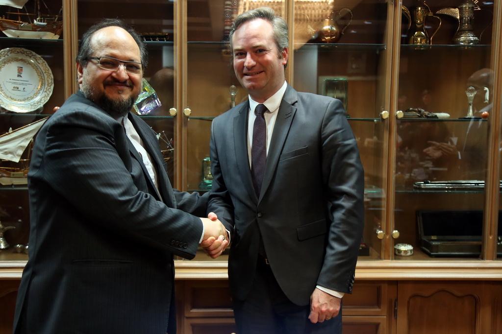توسعه روابط اقتصادی و صنعتی با فرانسه در گرو همکاریهای بانکی دو کشور است/ بر سرمایه گذاری مشترک و صادرات تاکید داریم