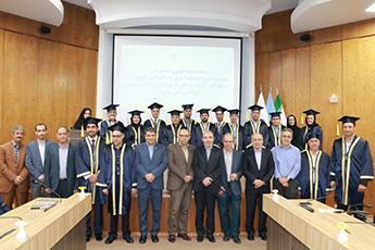 مراسم جشن فارغ التحصیلی دوره دکترای حرفه ای مدیریت کسب و کار با گرایش دانش محور