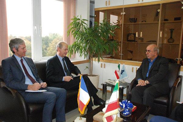 اعلام آمادگی فرانسه برای توسعه روابط اقتصادی با ایدرو