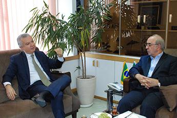 نهایی شدن یادداشت تفاهم نامه همکاری ایران و برزیل با هدف افزایش سطح روابط تجاری دو کشور