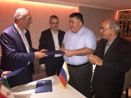 ایران و روسیه قرارداد تولید ۵۰۰ واگن مسافربری امضاء کردند