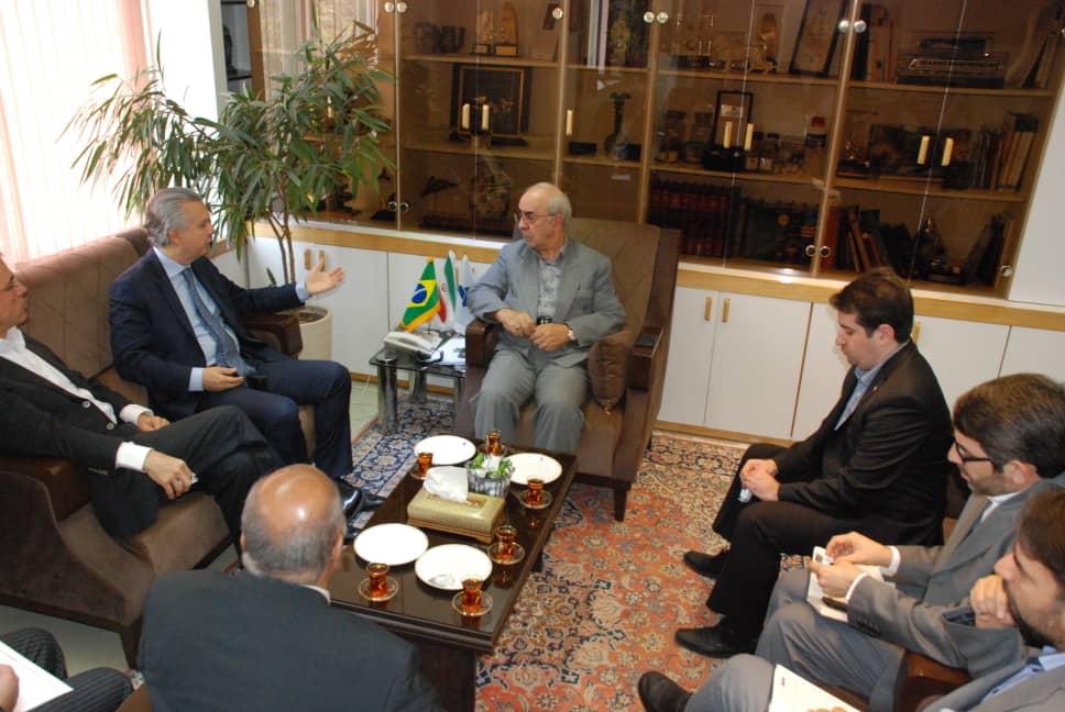 دیدار سفیر و نمایندگان خودروسازان سنگین برزیل با معاون وزیر و رئیس هیئت عامل ایدرو