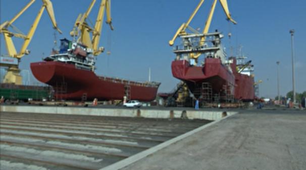 ساخت و تعمیر شناورهای غول پیکر در بندرعباس