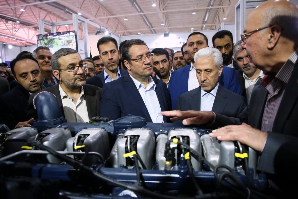 بازدید وزیر صنعت ،معدن و تجارت از نمایشگاه فرصت های ساخت داخل و رونق تولید