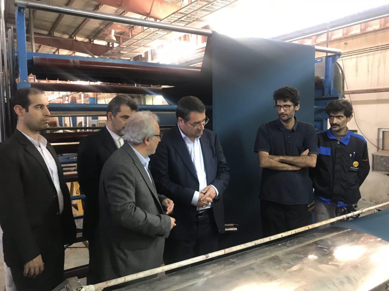 بازدید وزیر صنعت، معدن و تجارت از کارخانه بافت بلوچ ایرانشهر