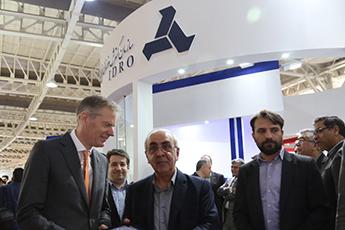 بازدید سفیر انگلیس از غرفه ایدرو در ششمین نمایشگاه بین المللی حمل و نقل ریلی
