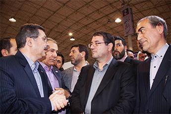 بازدید وزیر صنعت ، معدن و تجارت از غرفه مرکز گسترش فناوری اطلاعات در  نمایشگاه نوآوری و فناوری رَبع رشیدی تبریز