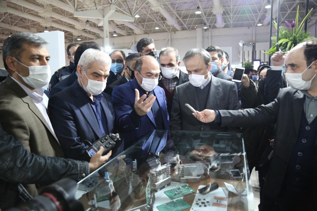 بازدید معاون وزیر صمت و رئیس هیات عامل ایدرو از پانزدهمین نمایشگاه بینالمللی قطعات، لوازم و مجموعه های خودرو
