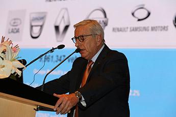 رنو به فکر افزایش کیفیت خدمات در ایران است