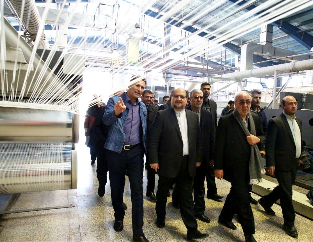 رئیس هیات عامل ایدرو از واحد صنعتی کیمیا الیاف فارس بازدید کرد