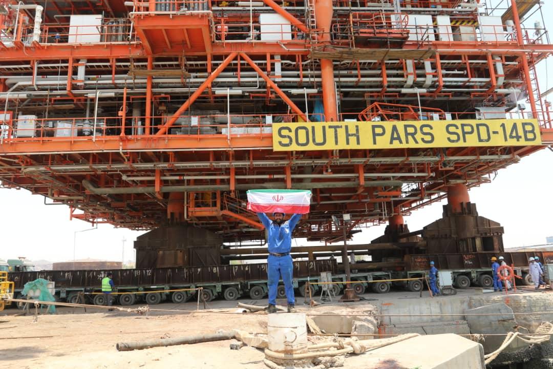 عملیات بارگیری دریایی سکوی ۲۵۰۰ تنی گازی فاز ۱۴ پارس جنوبی