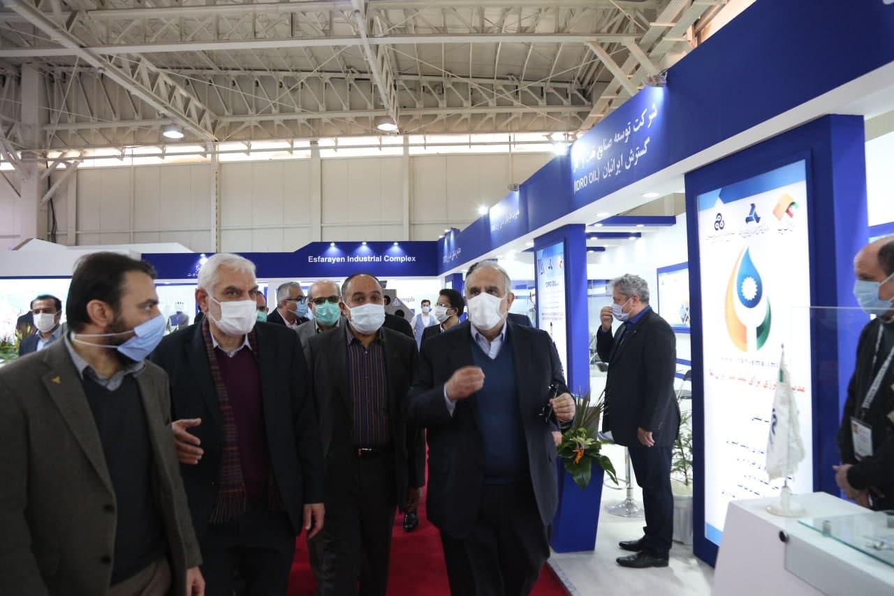 بازدید رئیس شرکت ملی نفت از غرفه ایدرو در بیست و پنجمین نمایشگاه نفت، گاز، پالایش و پتروشیمی