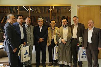 تجلیل از همکاران جانباز دوران دفاع مقدس در سازمان گسترش ونوسازی صنایع ایران