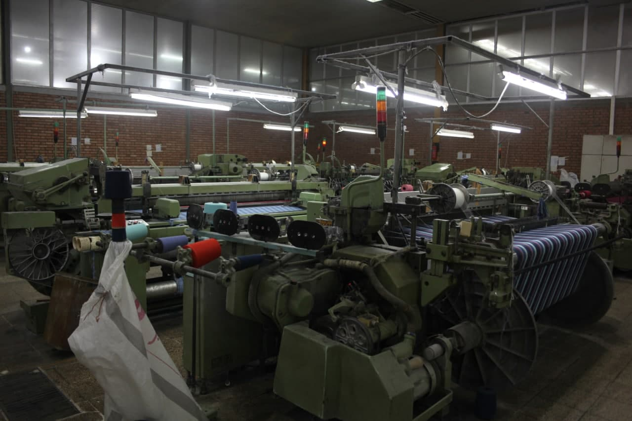 پایگاه خبری آرمان اقتصادی photo_۲۰۲۱-۰۵-۰۳_۱۴-۱۷-۵۵ بازدید رئیس هیات عامل ایدرو از واحد های نساجی استان مازندران
